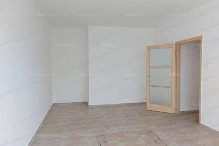 Eladó lakás Szolnok, 1+1 szobás