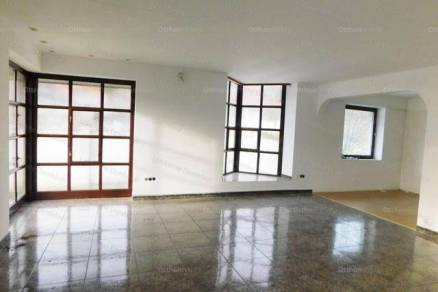 Családi ház eladó Szekszárd, 255 négyzetméteres