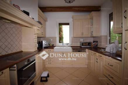 Debrecen 3+2 szobás családi ház eladó