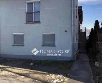 Szigetszentmiklósi eladó lakás, 2+2 szobás, a Komp utcában