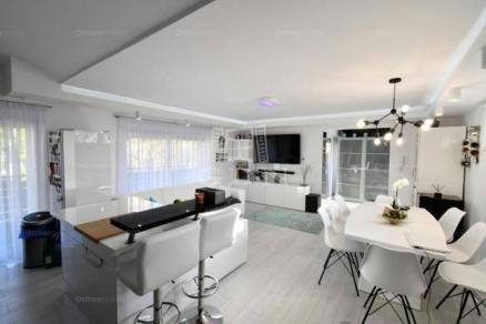 Székesfehérvár lakás eladó, 1+3 szobás