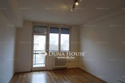 Kecskeméti eladó lakás, 2 szobás, 58 négyzetméteres