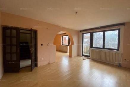 Egeri eladó lakás, 6 szobás, 171 négyzetméteres