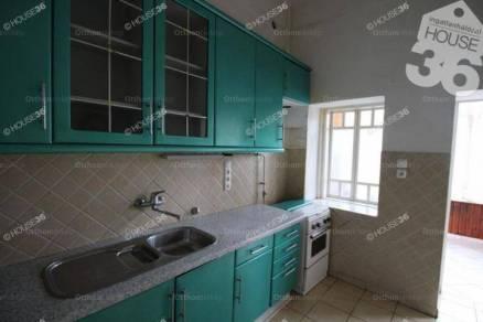 Kiskunfélegyházai eladó családi ház, 3 szobás, 100 négyzetméteres