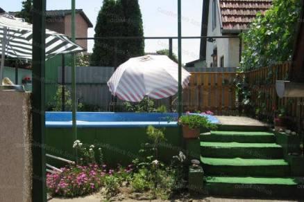 Tiszaföldvári eladó családi ház, 2+2 szobás, 45 négyzetméteres