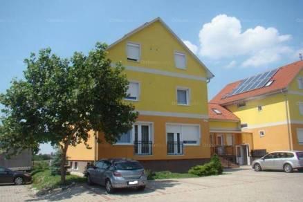 Győri kiadó lakás, 1 szobás, 31 négyzetméteres