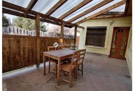 Budapest 2 szobás családi ház eladó