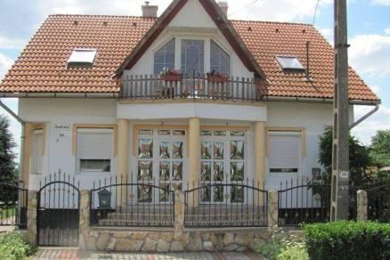 Eladó 5 szobás családi ház Aszaló