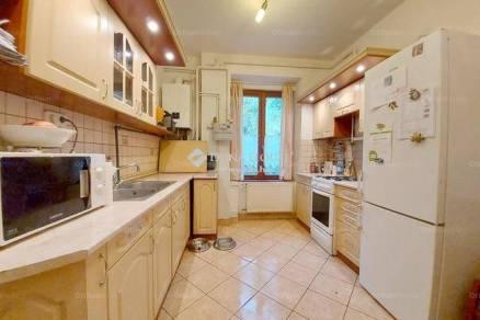 Budapesti házrész eladó, 75 négyzetméteres, 1+3 szobás