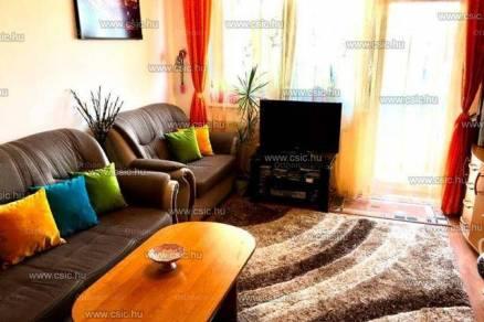 Dunakeszi lakás eladó, 65 négyzetméteres, 2+2 szobás