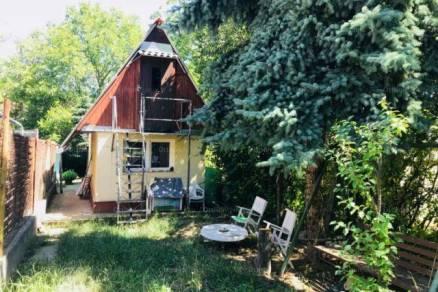 Eladó családi ház, Budapest, 1 szobás
