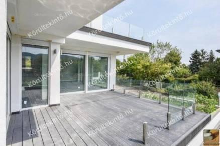 Budapesti új építésű családi ház eladó, 270 négyzetméteres, 5 szobás