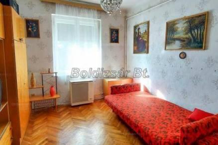 Kaposvári eladó lakás, 1+1 szobás, 39 négyzetméteres
