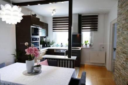 Debreceni eladó lakás, 2 szobás, 54 négyzetméteres