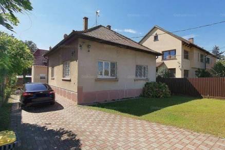 Eladó 8 szobás családi ház Budapest