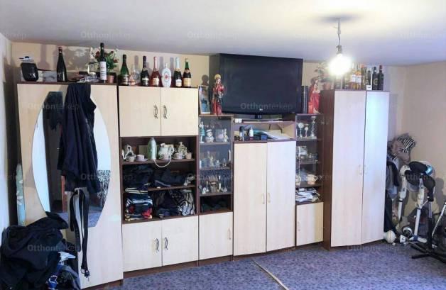 Debreceni eladó családi ház, 3+2 szobás, 130 négyzetméteres