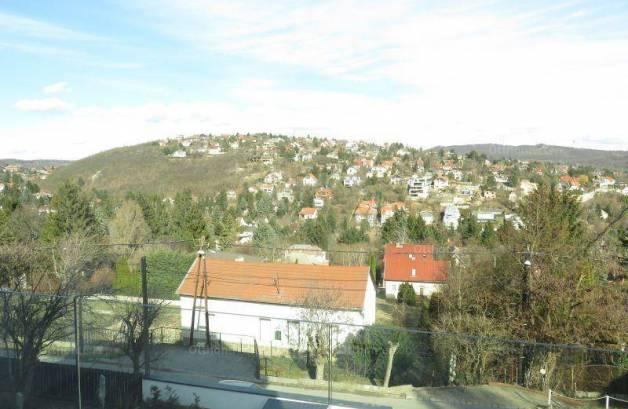 Eladó családi ház Budapest, 7+1 szobás