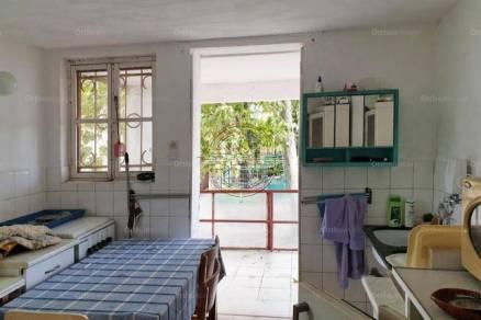 Szegedi nyaraló eladó, 46 négyzetméteres, 1 szobás