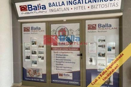 Bujáki családi ház eladó, 170 négyzetméteres, 5+2 szobás
