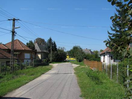 Eladó családi ház Szakáld, Petőfi Sándor utca, 3+1 szobás