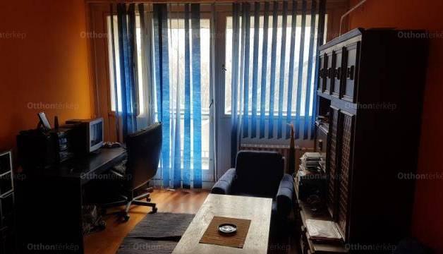 Eladó lakás, Pécs, 3 szobás