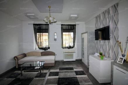 Budapesti eladó családi ház, 1+1 szobás, 40 négyzetméteres