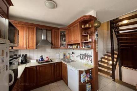 Szekszárdi eladó családi ház, 4 szobás, 220 négyzetméteres