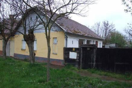 Gyula 2 szobás családi ház eladó