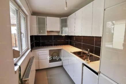 Budapesti eladó családi ház, 3 szobás, 97 négyzetméteres