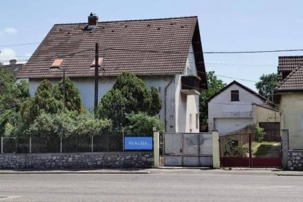 Veszprém 6 szobás családi ház eladó