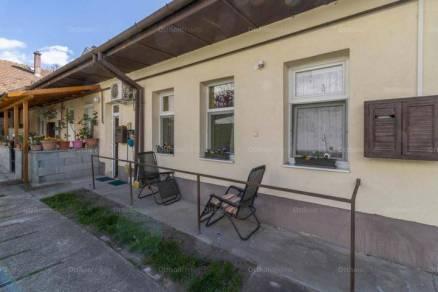 Házrész eladó Budapest, 33 négyzetméteres