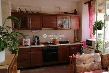 Házrész eladó Pécs, 75 négyzetméteres