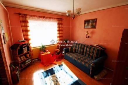 Szákszend családi ház eladó, 4 szobás