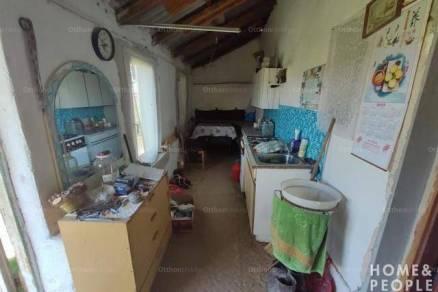 Eladó családi ház Domaszék, 2 szobás