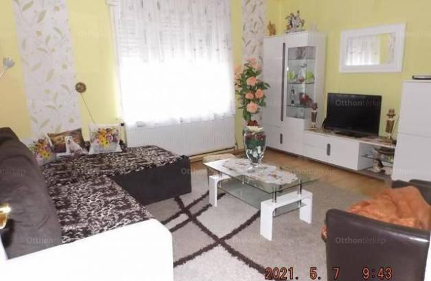 Eladó családi ház, Galambok, 2 szobás