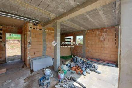 Pécs 3 szobás új építésű családi ház eladó