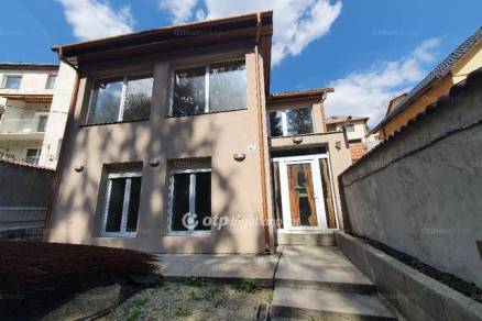 Eladó családi ház Miskolc, 4+1 szobás