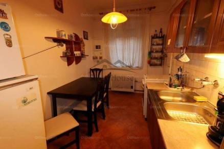 Győri kiadó lakás, 1 szobás, 42 négyzetméteres