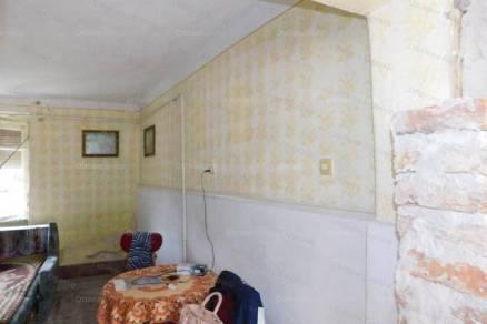 Eladó családi ház, Kaposvár, 2 szobás