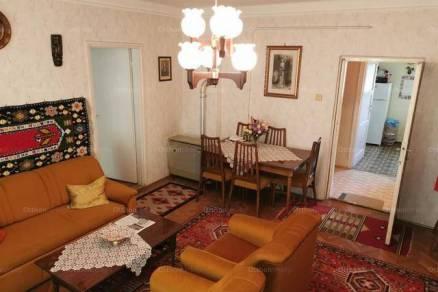 Lakás eladó Szolnok, 82 négyzetméteres