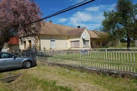 Eladó családi ház Buzsák, 2+2 szobás