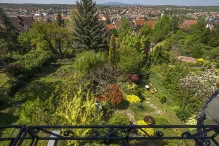 Eladó 6 szobás családi ház Eger