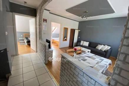 Soproni lakás eladó, 65 négyzetméteres, 3 szobás