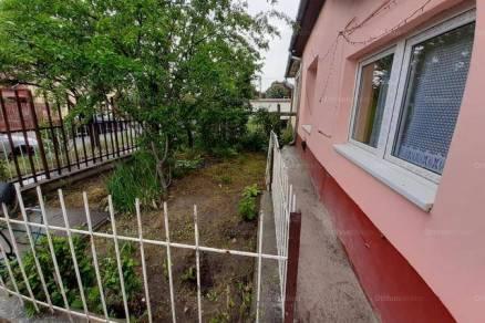 Budapest 2 szobás házrész eladó