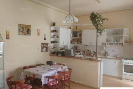 Családi ház eladó Budapest, 280 négyzetméteres