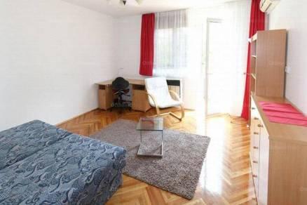 Eladó lakás, Szeged, 1 szobás