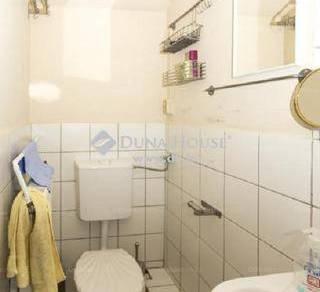 Pécsi eladó családi ház, 2 szobás, 120 négyzetméteres