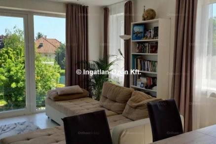 Budapesti családi ház eladó, 230 négyzetméteres, 6 szobás