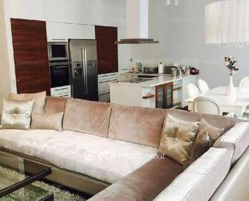 Budapesti lakás eladó, 143 négyzetméteres, 3+1 szobás