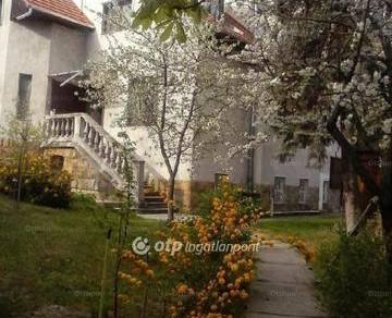 Budapesti eladó családi ház, 12+3 szobás, 310 négyzetméteres